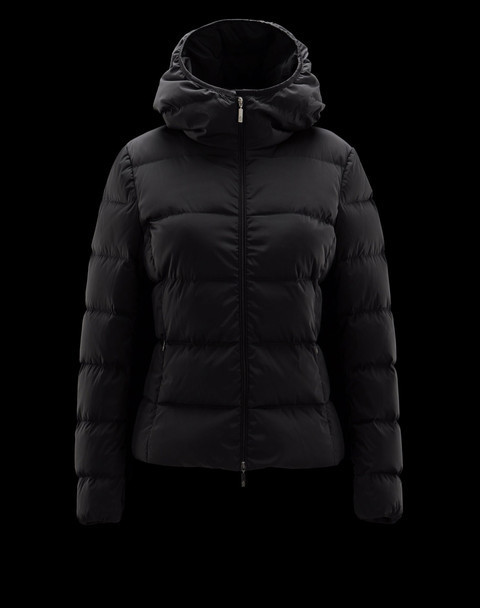 Discount Moncler Down Jackets WomenID230032