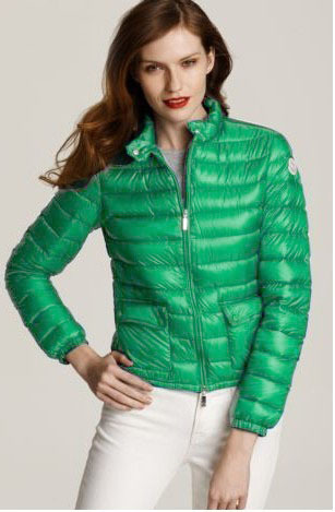 Discount Moncler Down Jackets WomenID230033