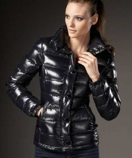 Discount Moncler Down Jackets WomenID305006
