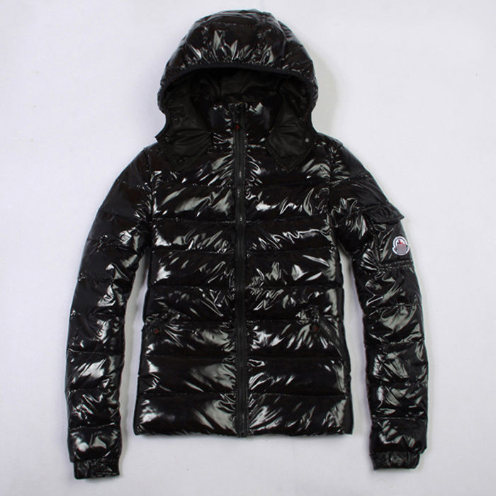 Discount Moncler Down Jackets WomenID305013
