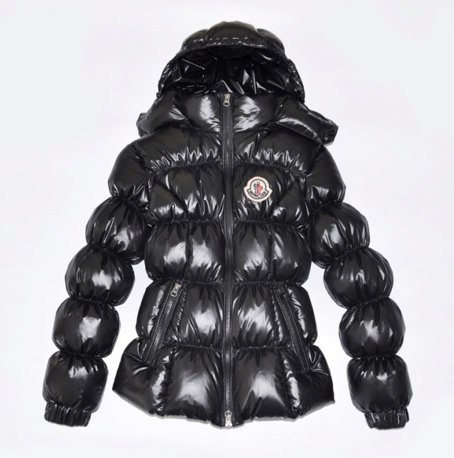 Discount Moncler Down Jackets WomenID305045